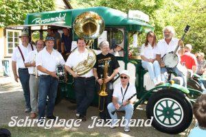 http://schraeglage-jazzband.de/